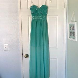 Beautiful formal long dress.